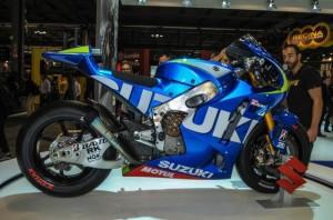 Suzuki-MotoGP-race-bike-EICMA-04-635x421