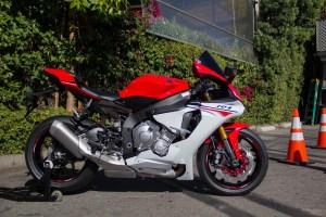 2015-Yamaha-YZF-R1M4