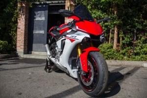 2015-Yamaha-YZF-R1M6