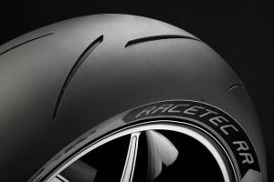 RACETEC™-RR-the-new-Racing-Supersport-tyre-from-METZELER-04