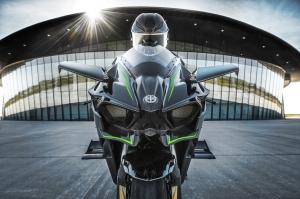 2015-Kawasaki-Ninja-H2R-Front1
