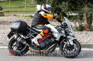 KTM-1290-SMT-Supermoto-T-front-right-three-quarters-spy-shots
