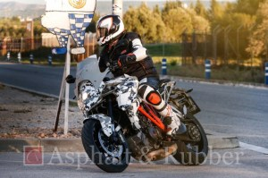 KTM-1290-SMT-Supermoto-T-left-front-three-quarters-spy-shots-02