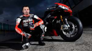 max-biaggi-returns-to-world-superbike-with-aprilia-this-weekend-96800_1