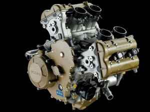 122_0712_02_z+ducati_desmosedici_rr+engine